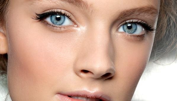 Как пользоваться жидкой подводкой для глаз